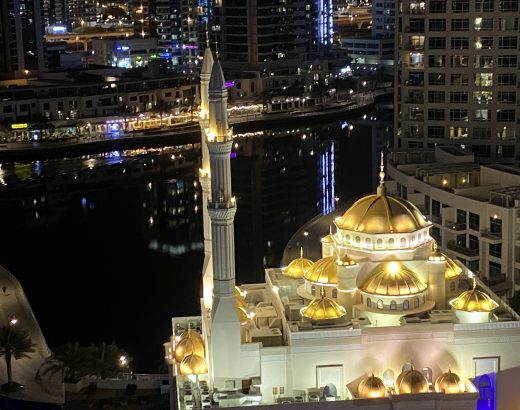 a mosque in dubai marina